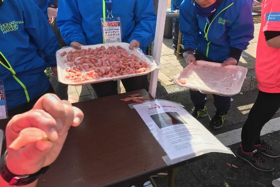湘南国際マラソン 東北復興支援エイド 白桃の酢漬