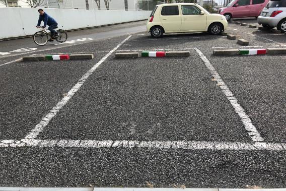 ラヴィッツォーネ 専用駐車場 3台