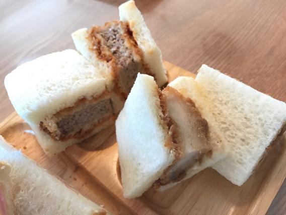 元町商店街 とんかつ&手作りカツサンド 浪漫館横浜 チキンカツサンド 黒豚メンチカツサンド 一つずつ