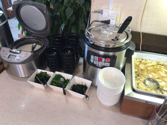 平塚 やまいち 味噌汁